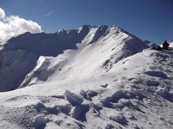 帰り道、真ん中奥が山頂