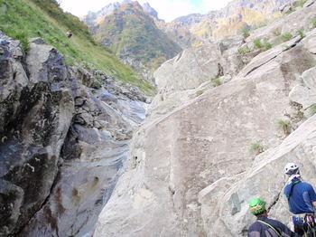 ヒョングリの滝(懸垂中)